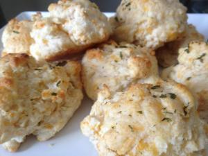 Cheddar Biscuits (A la Red Lobster)